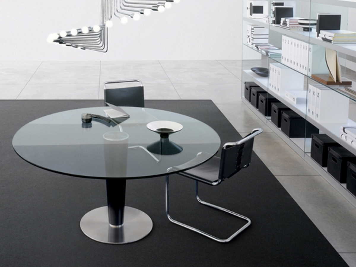 table design ronde upside gallotti radice mobilier design im lyon. Black Bedroom Furniture Sets. Home Design Ideas
